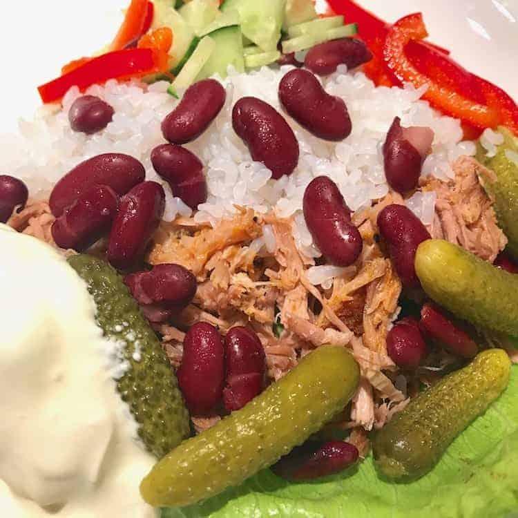 LowCarb Rice, Pulled Pork, Paprika, Gurka, Sallad, Cornichons