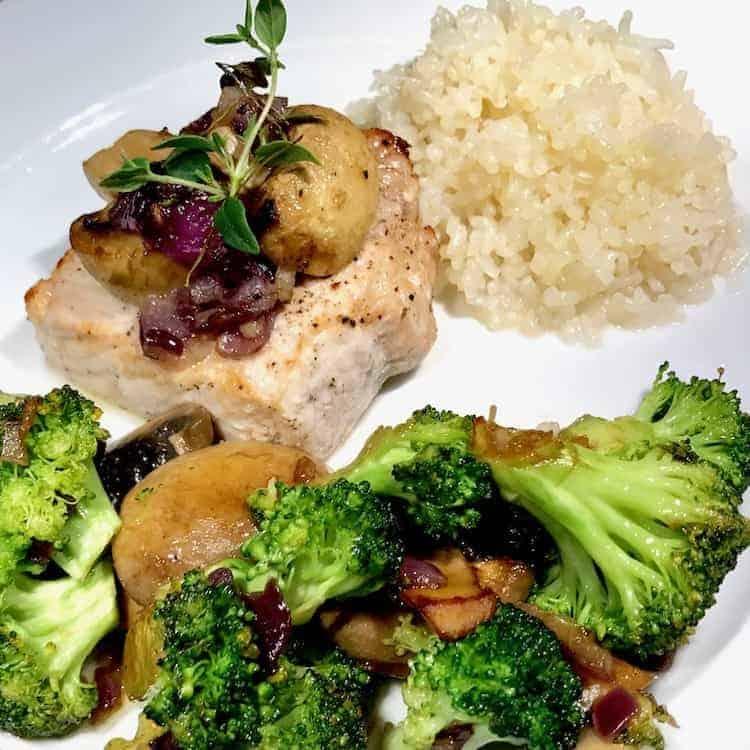 Fläskytterfile, timjan, broccoli, Shirataki ris, lök