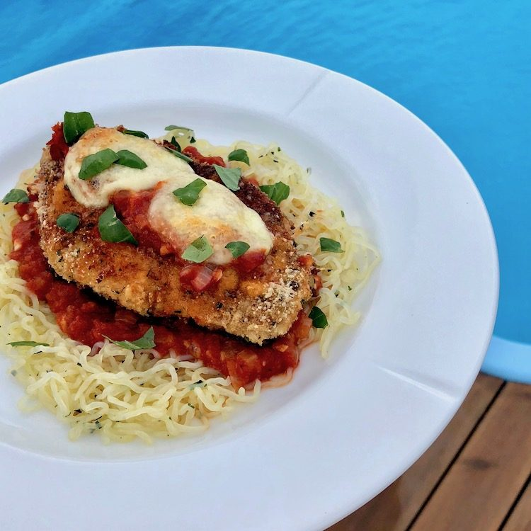 Kycklingfilé, pasta, tomatsås